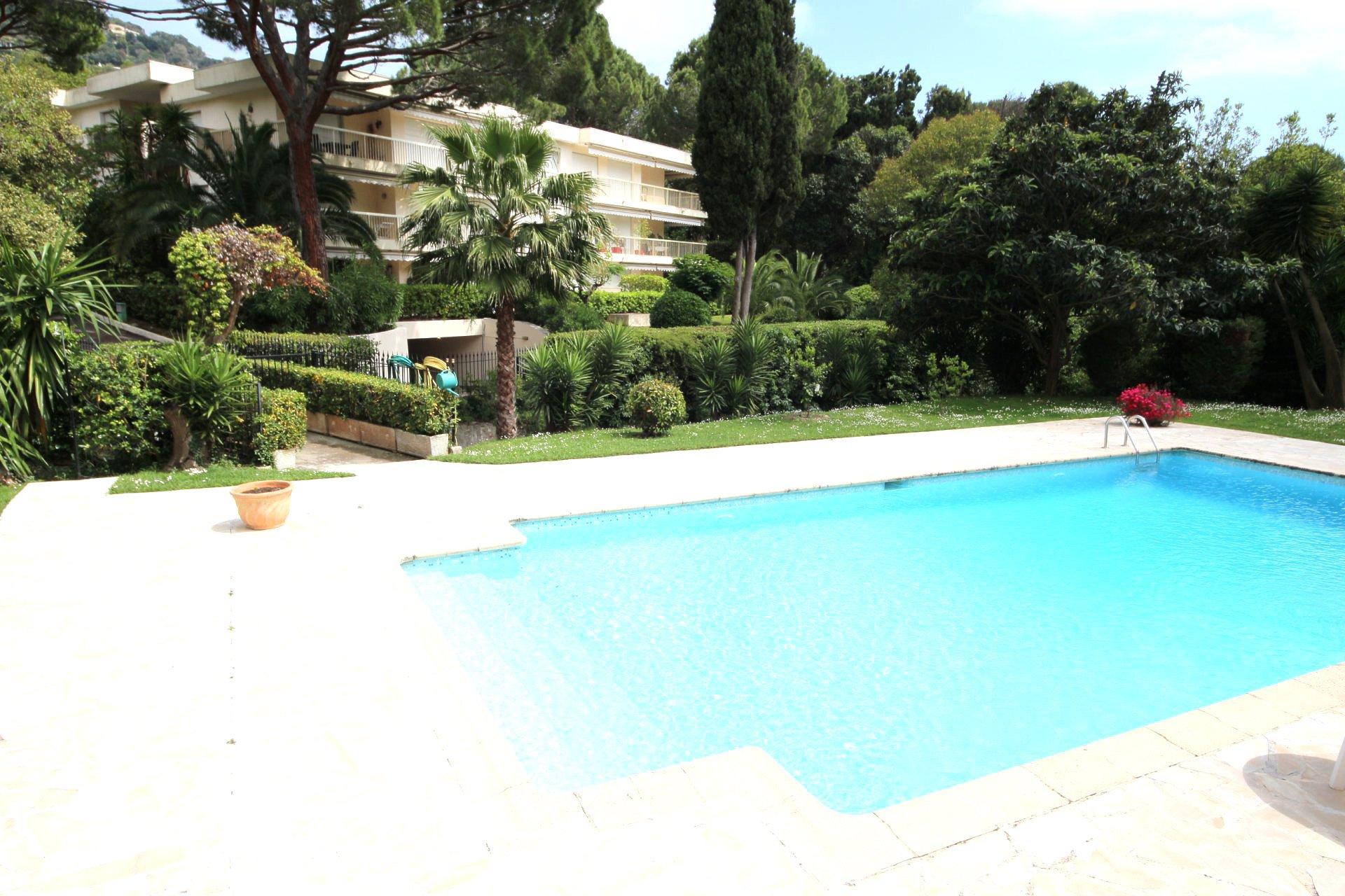 Cannes Montfleury 2P, RDJ de 47m2 avec terrasse de 70m2