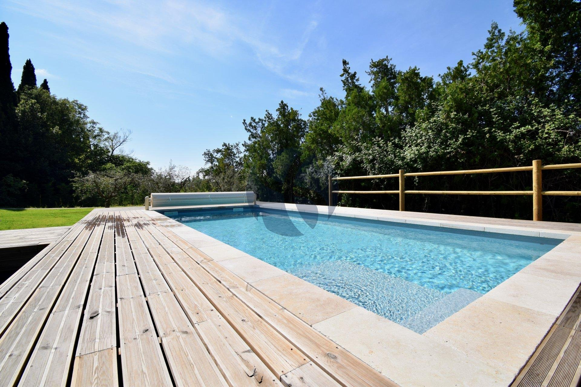 Charming renovated farmhouse in St Remy de Provence