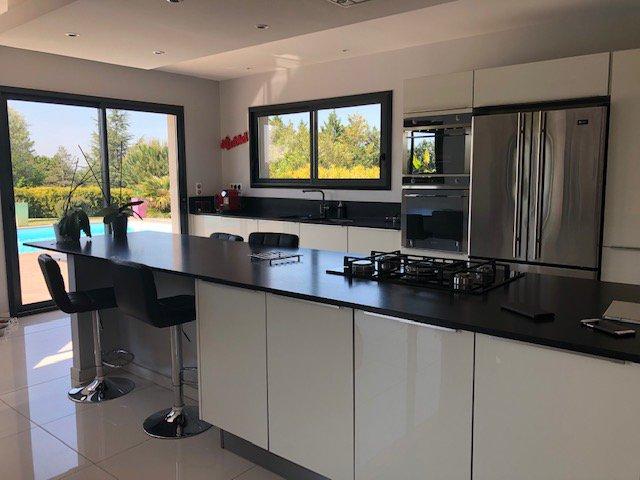 Stainless steel, kitchen bar