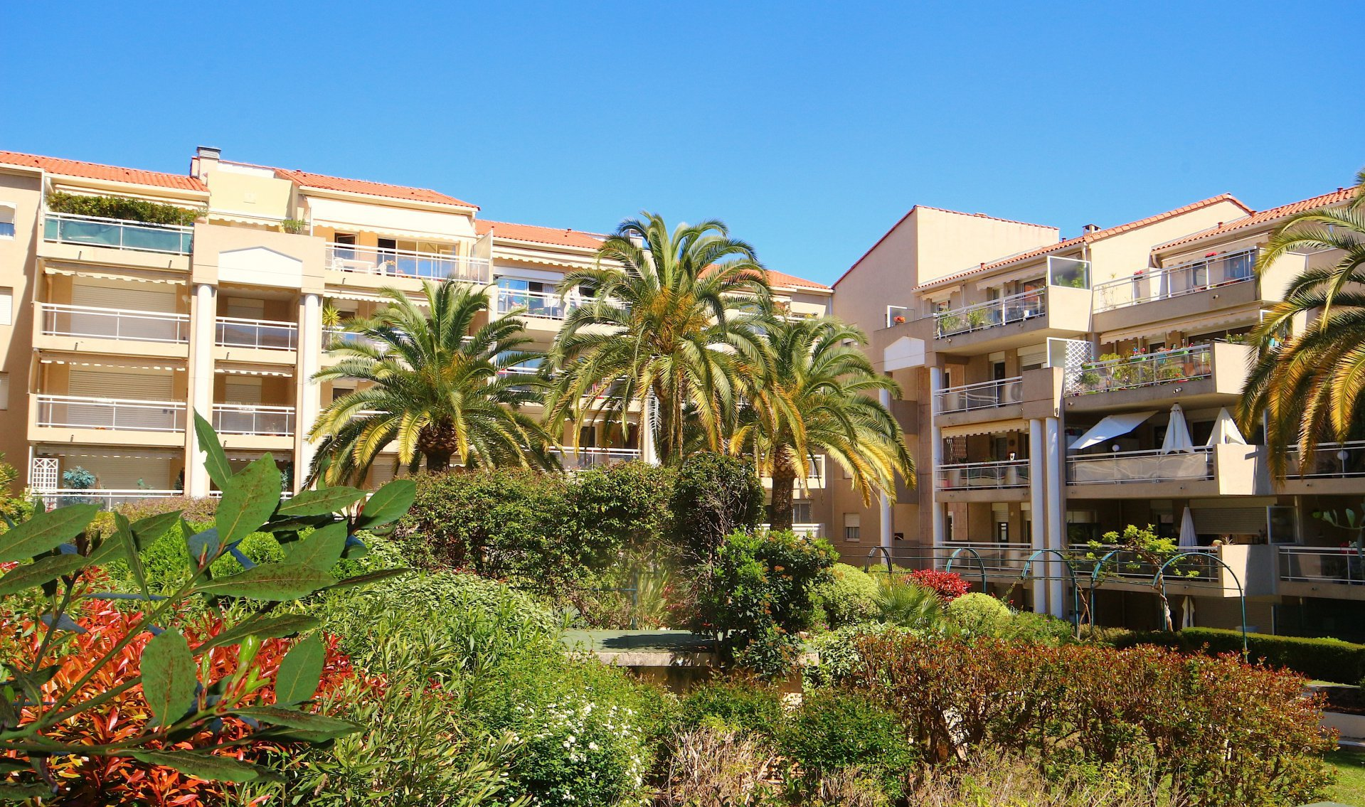 CANNES, spacious 2 bedrooms apartement