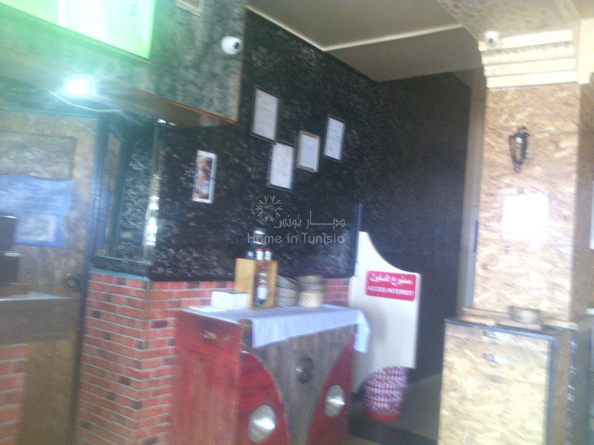 vente mur et fond restaurant  a monastir