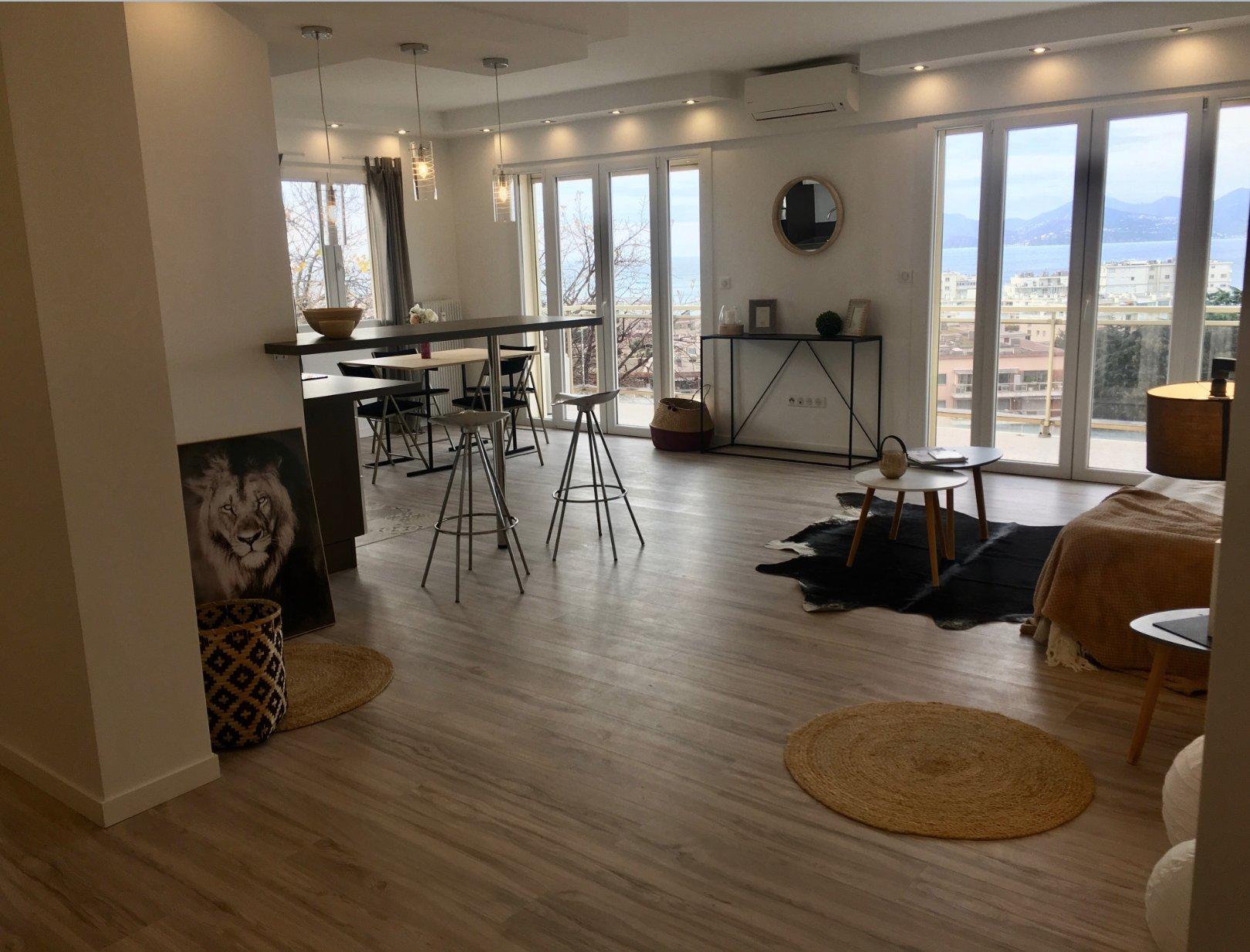 Cannes Dernier étage 3P 75 m2 Basse Caifornie rénové vue mer
