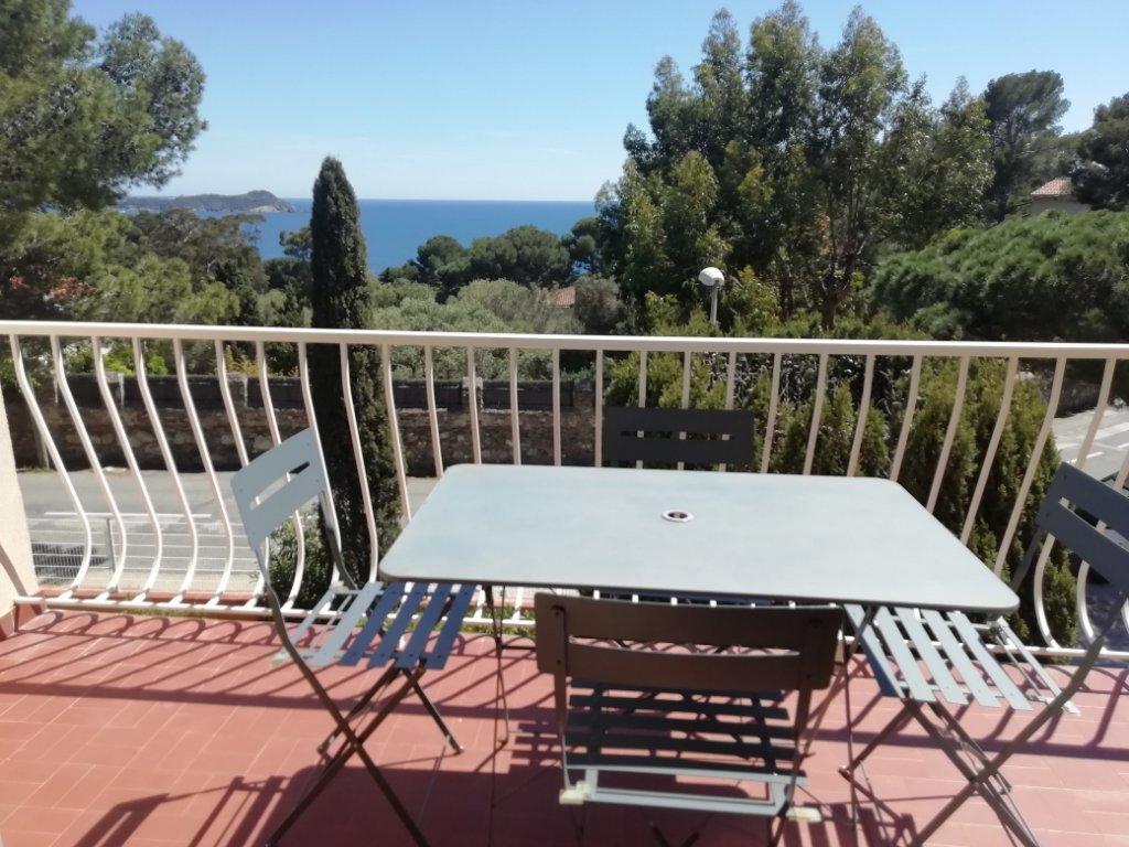 Bel appartement Piscine, tennis, vue mer