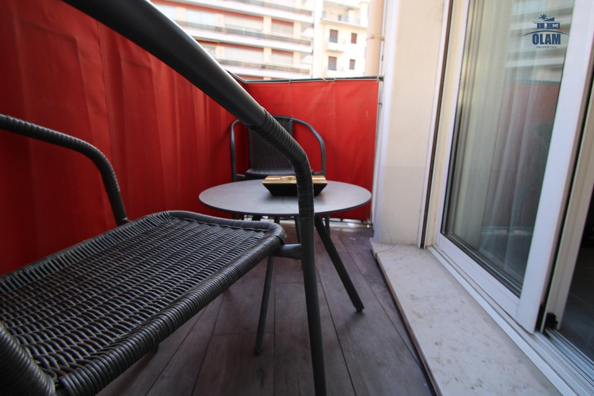 2 bedroom apartment, balcony, Croisette, Cannes, French Riviera