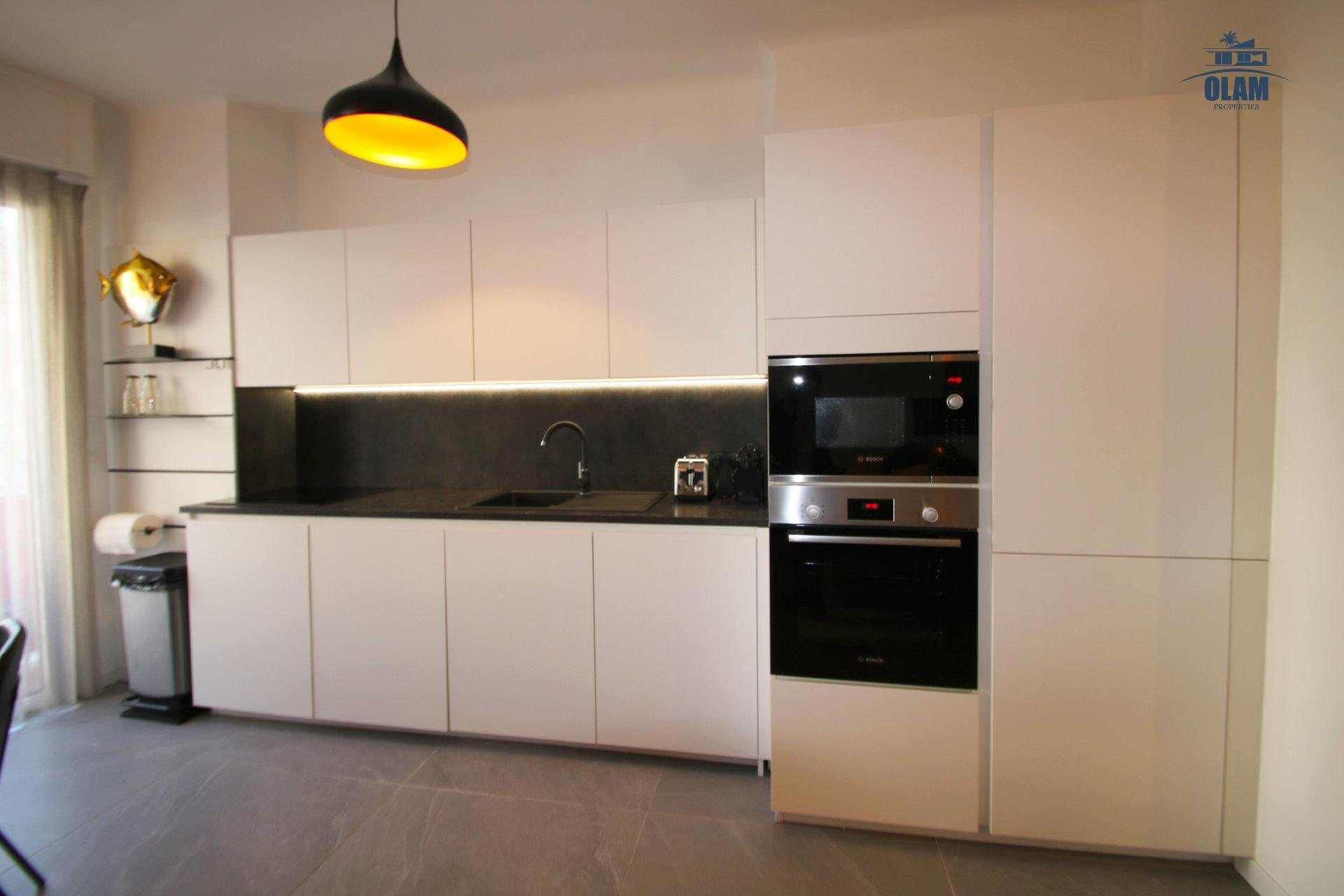 Seasonal rental, fully equipped kitchen, Cannes, Armenonville, Croisette