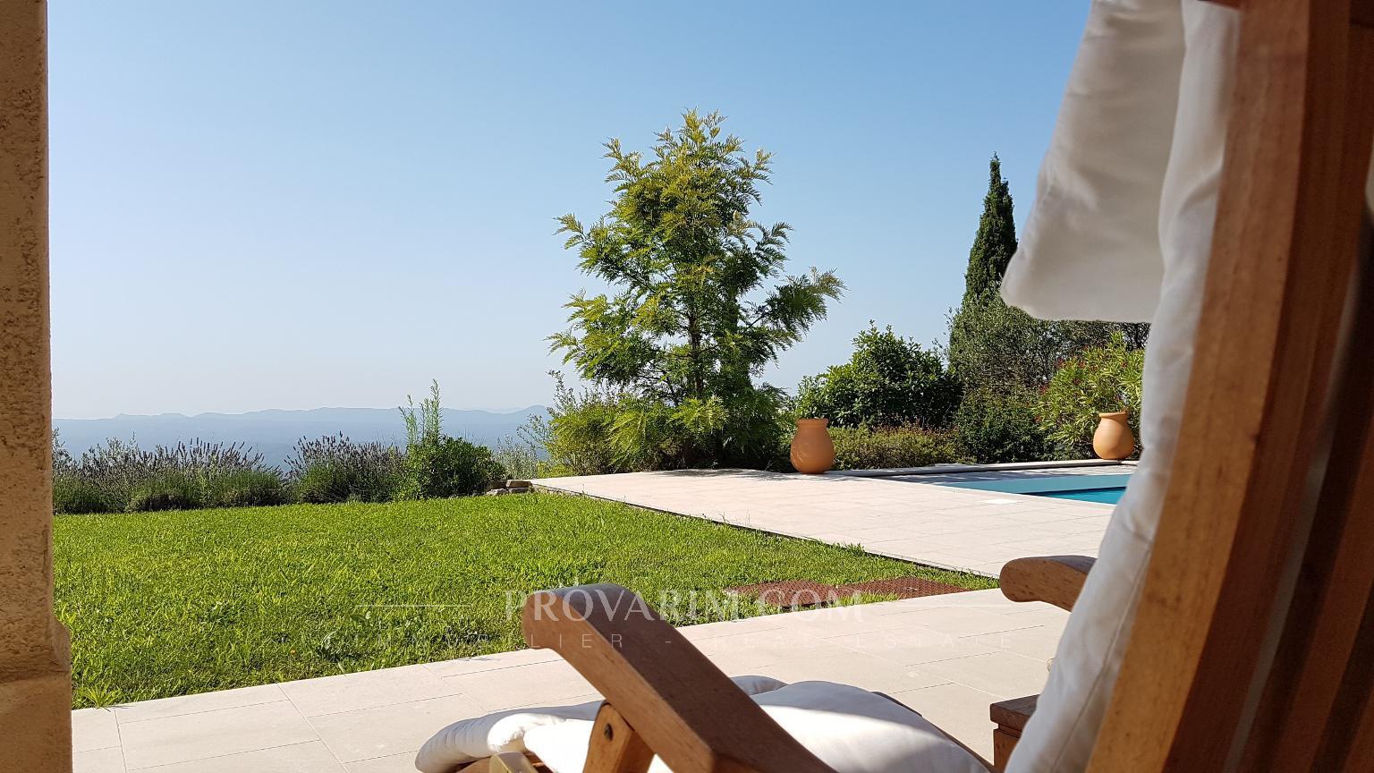 Seillans: villa with panoramic views...