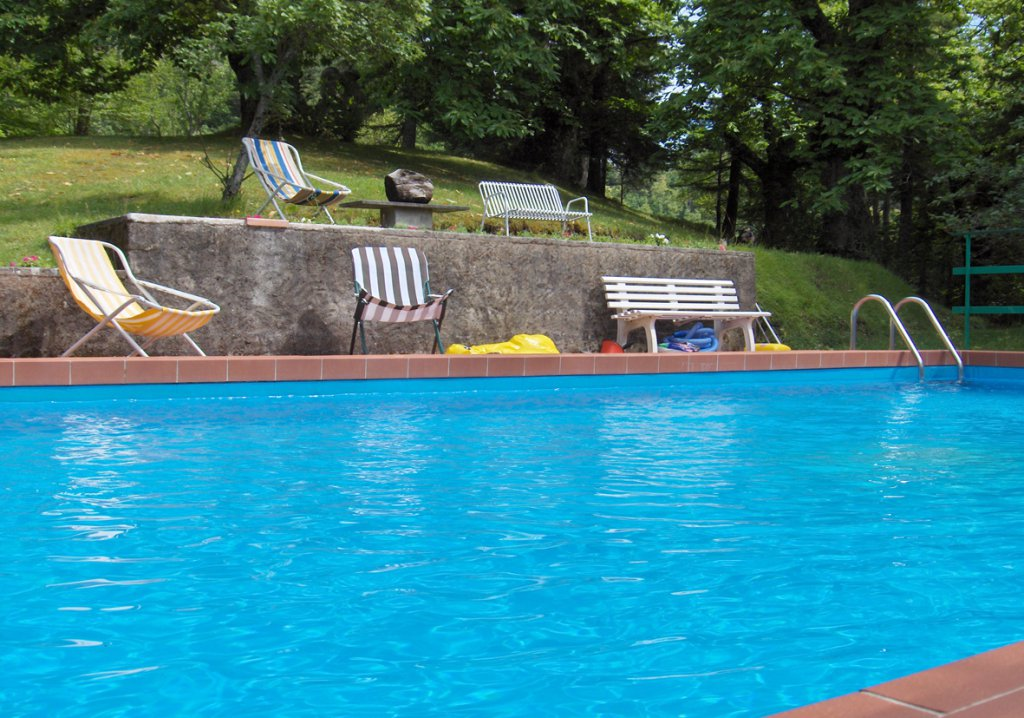 ITALY, TUSCANY, CLOSE TO BAGNI DI LUCCA, HOUSE FOR 6 PERSONS WITH POOL
