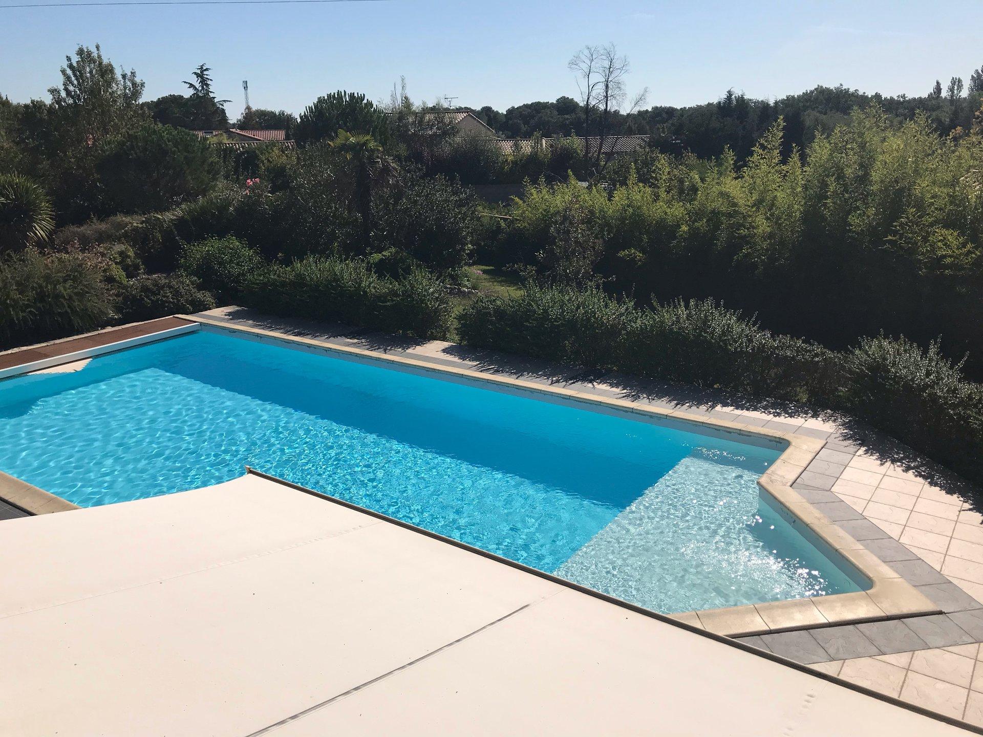 VILLA D'ARCHITECTE AVEC PISCINE / POOL HOUSE