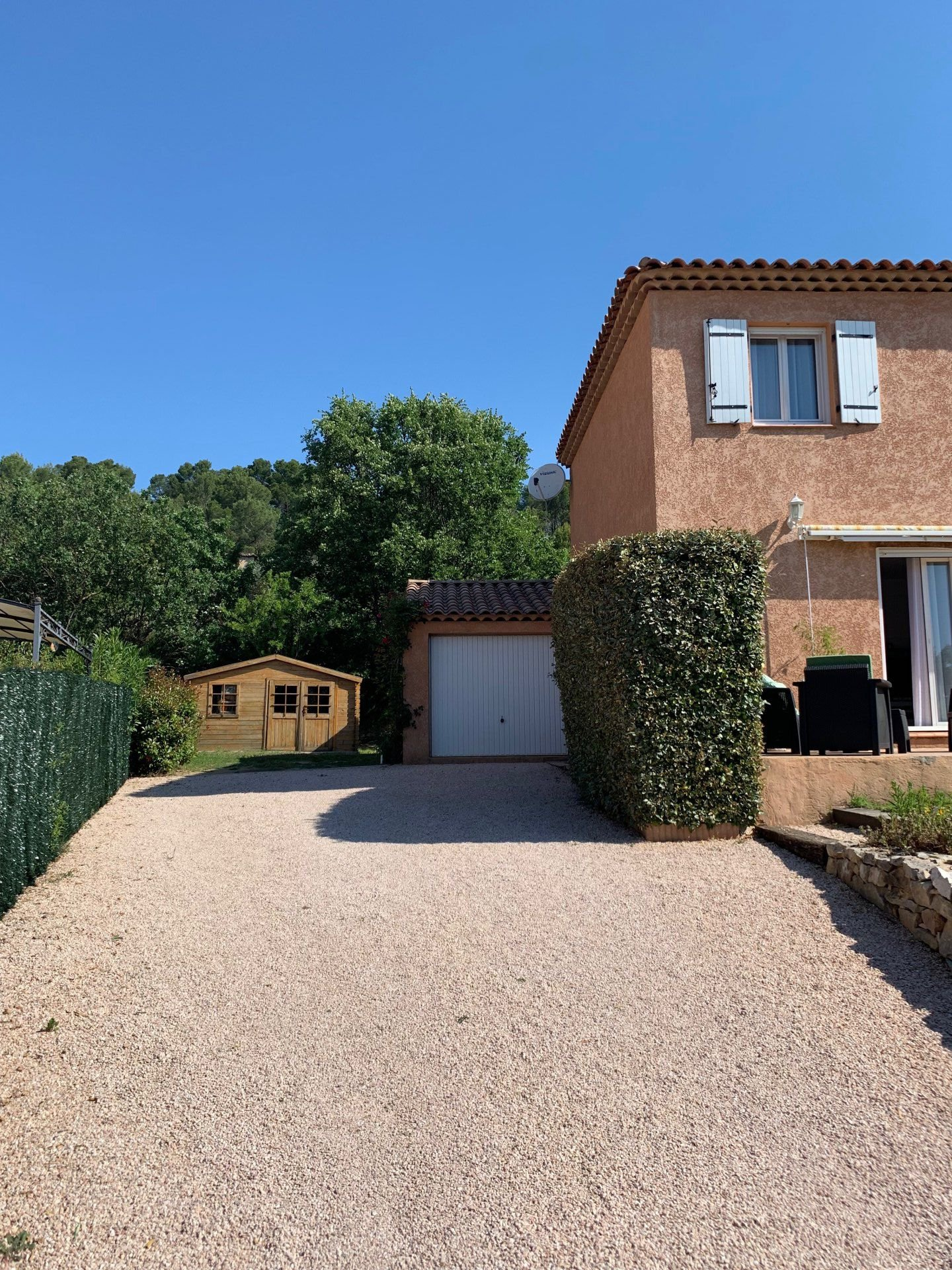 3 bedroom house overlooking Sainte Baume