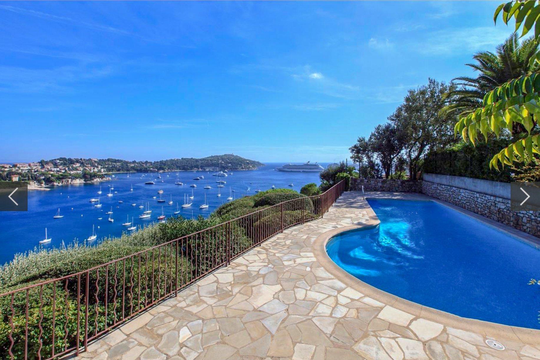 2 pièces avec terrasse et vue mer panoramique.