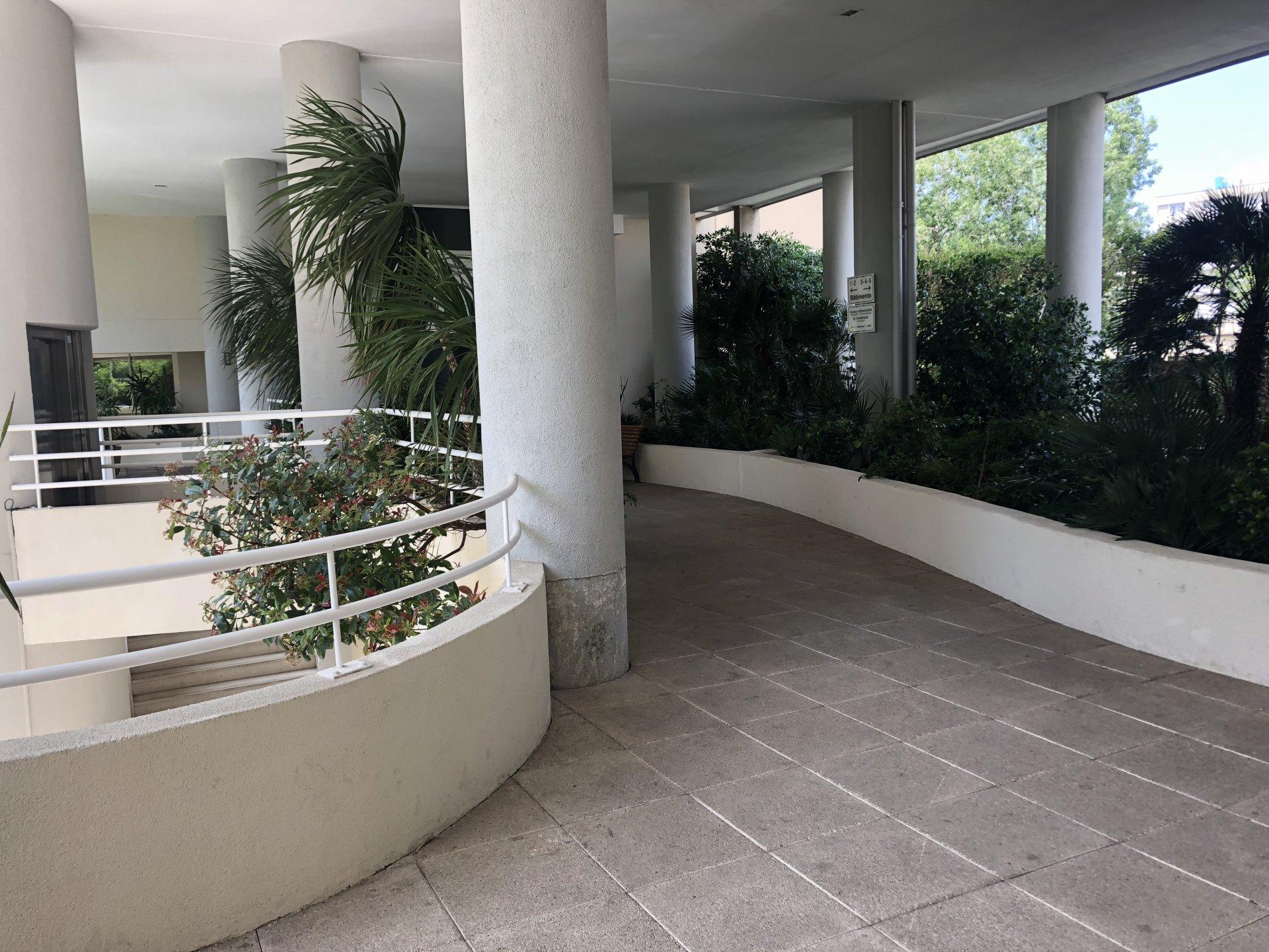 Appartement de Type Studio 13008 Marseille