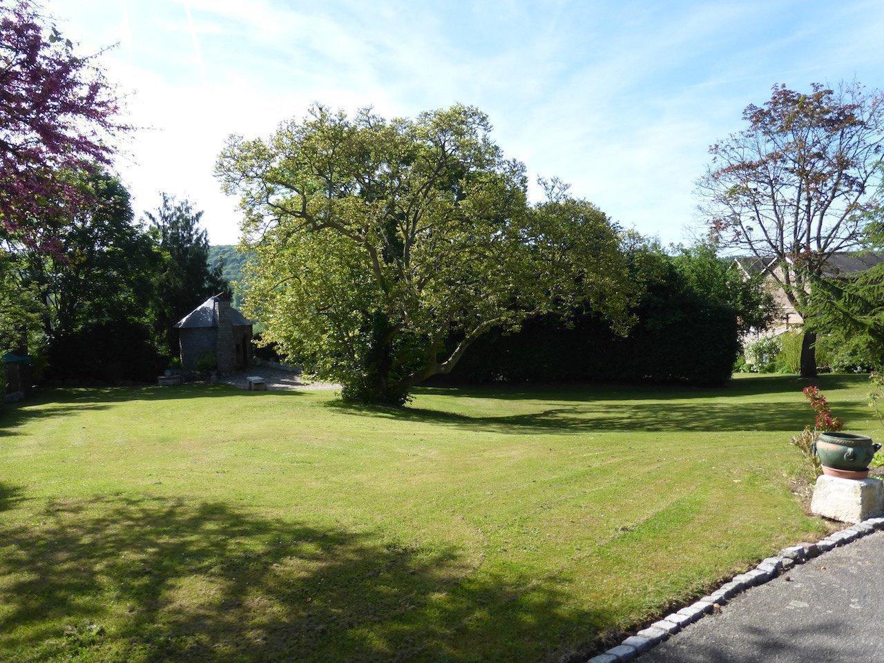 Propriété du XIXè dans un parc de 6800 m2 environ