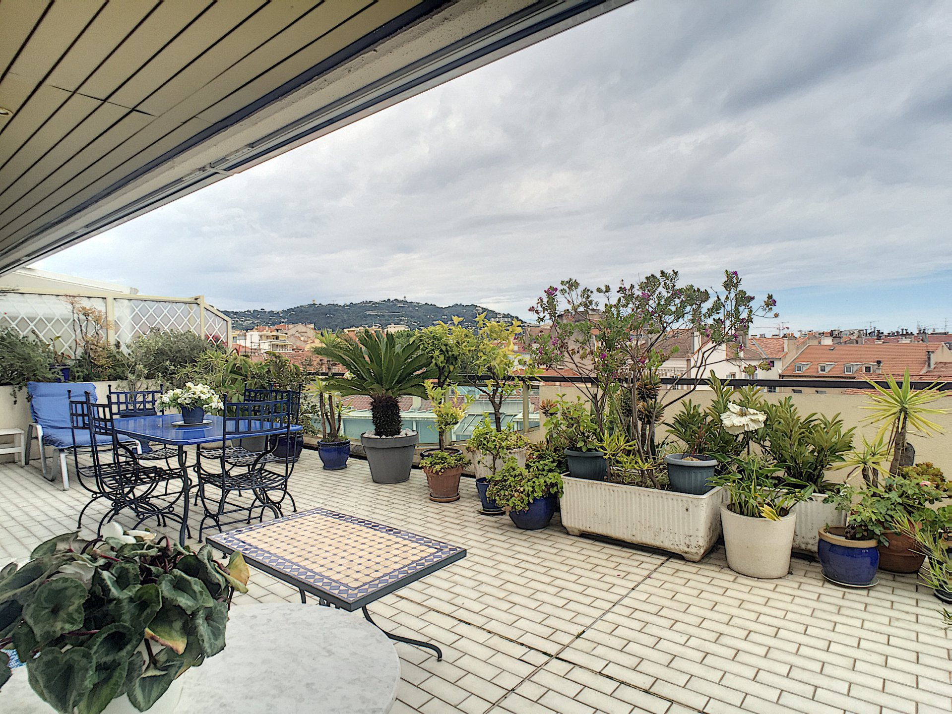 ROOF TERRACE CANNES CENTRE 3 PIECES