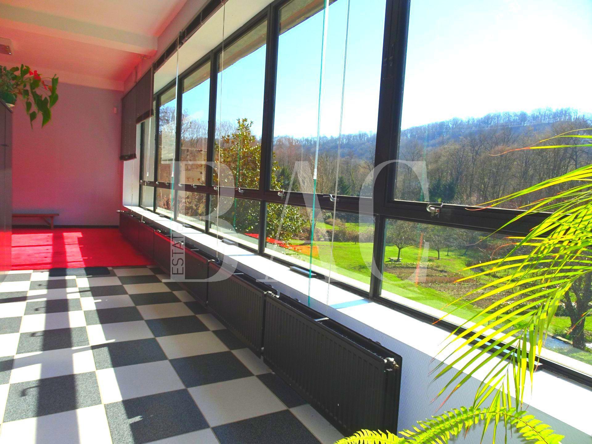 Maison d'exception 450 m² avec terrain d'1 ha entre Grenoble et Lyon