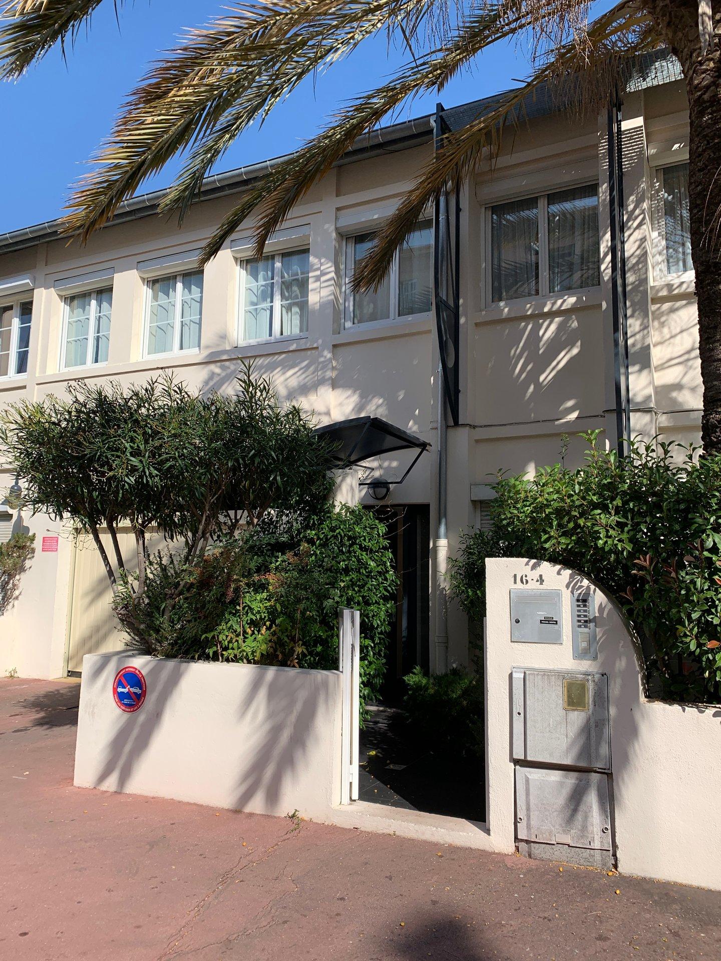 Studio de 30 m2 Cannes- Stanislas-