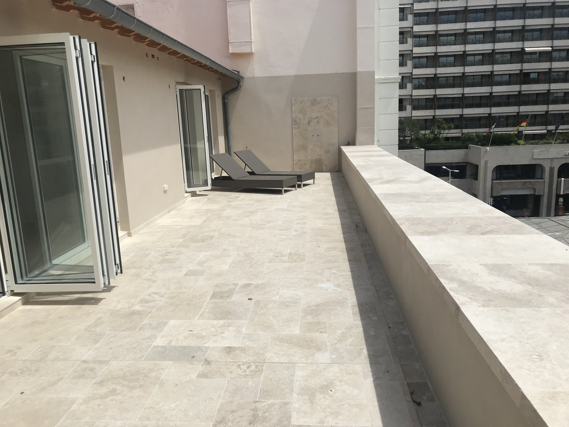 Centre of Cannes, magnificent 4 room top floor apartment
