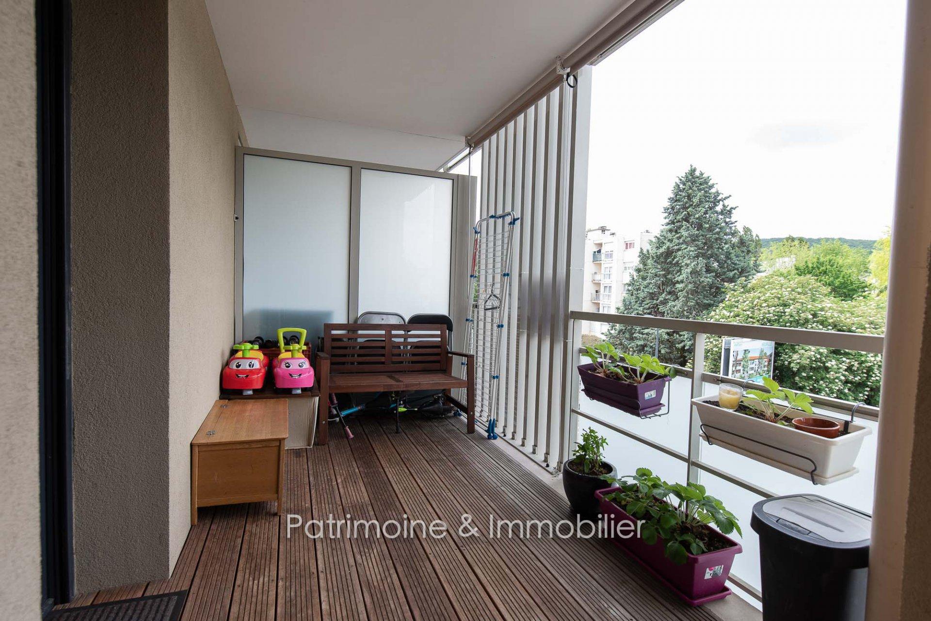 Sale Apartment - Neuville-sur-Saône