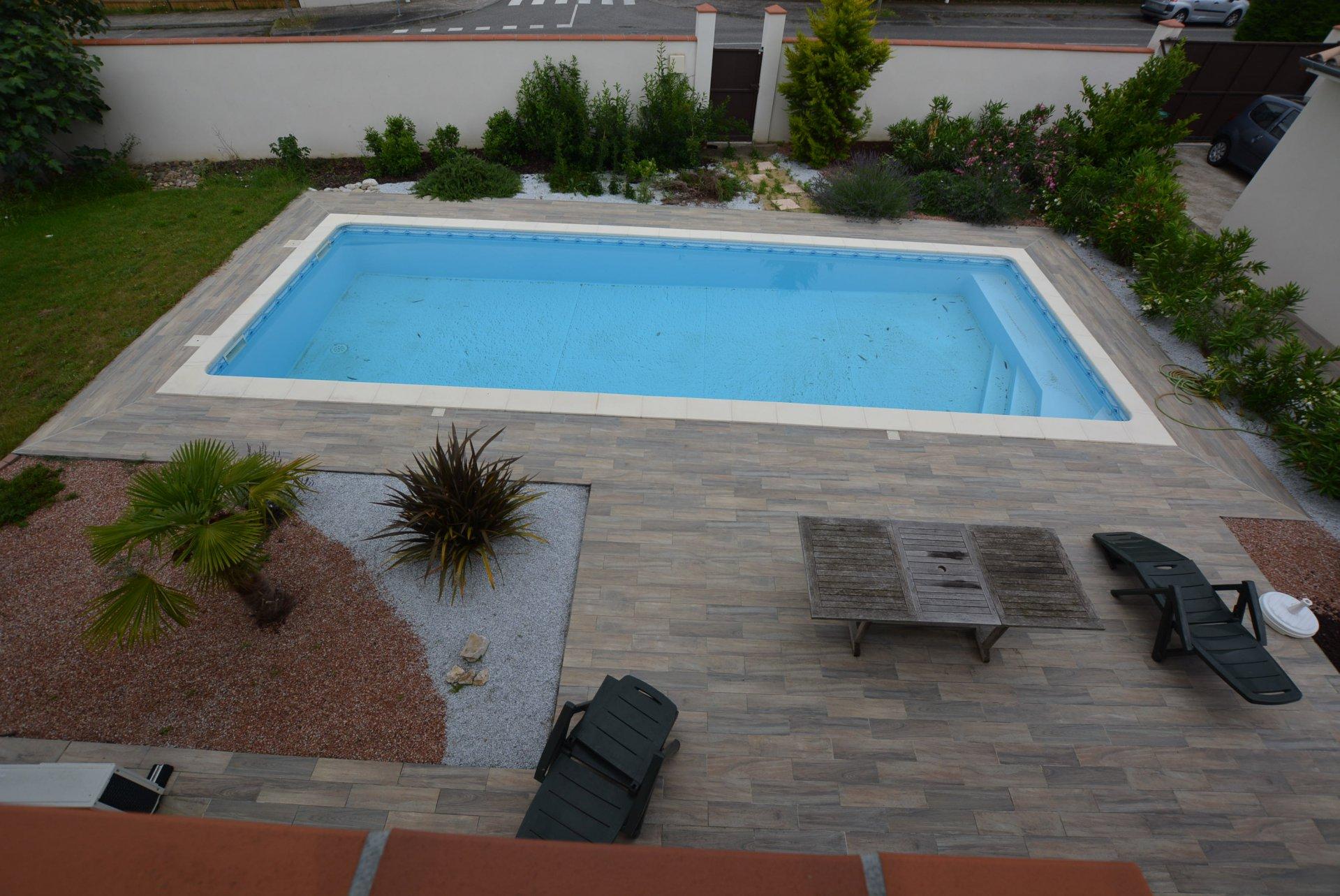 Ferme rénovée au calme piscine