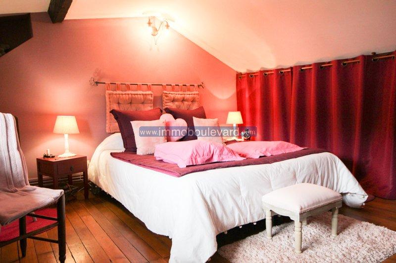 Autun, Bourgogne, en très bon état, grande maison avec gîte