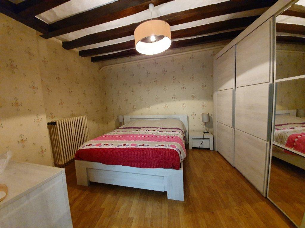 Sale Village house - Savigné-sur-Lathan