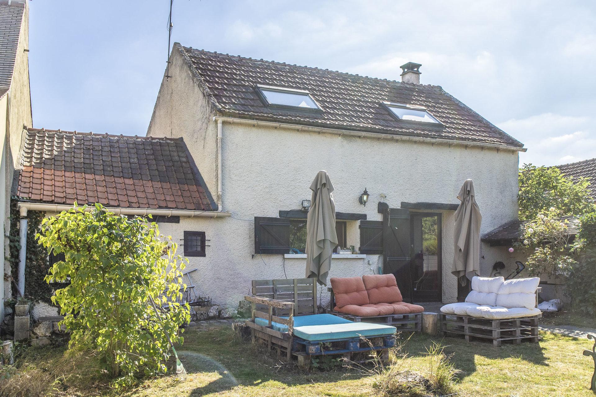 Maison ancienne 90m2 beau terrain