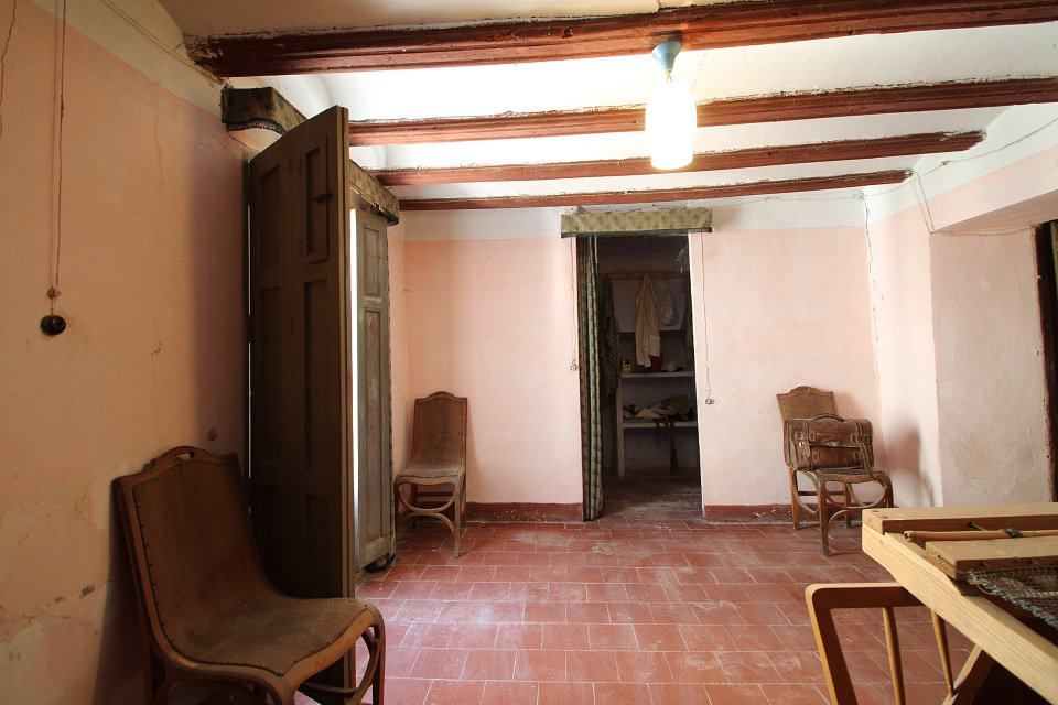 Grande maison de village du 19ème siècle en état d'origine