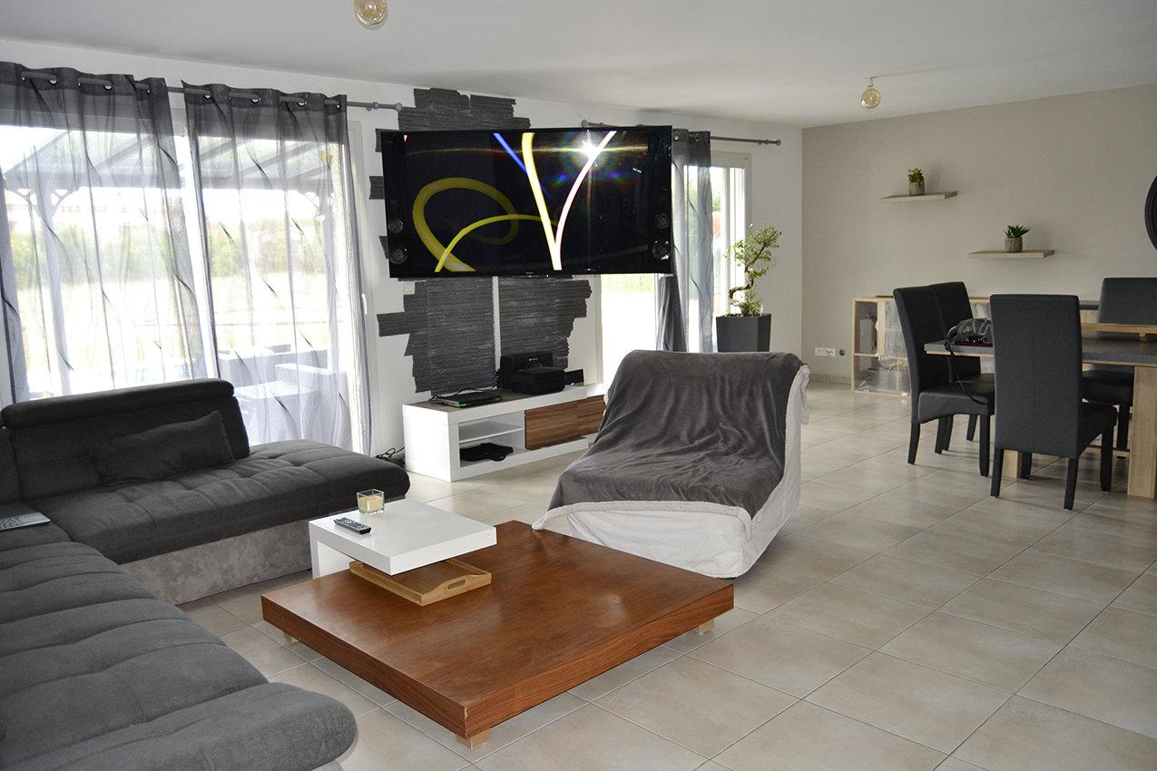 Villa 140 m² + piscine chauffée sur 1800 m²