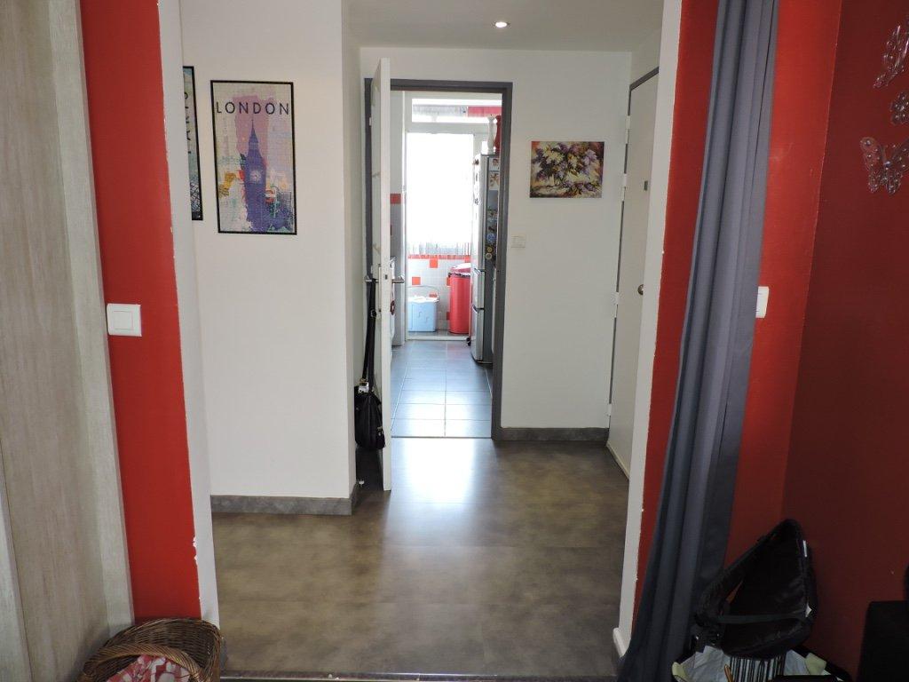 VALOMBROSE, dernier étage, 3p terrasse rénové