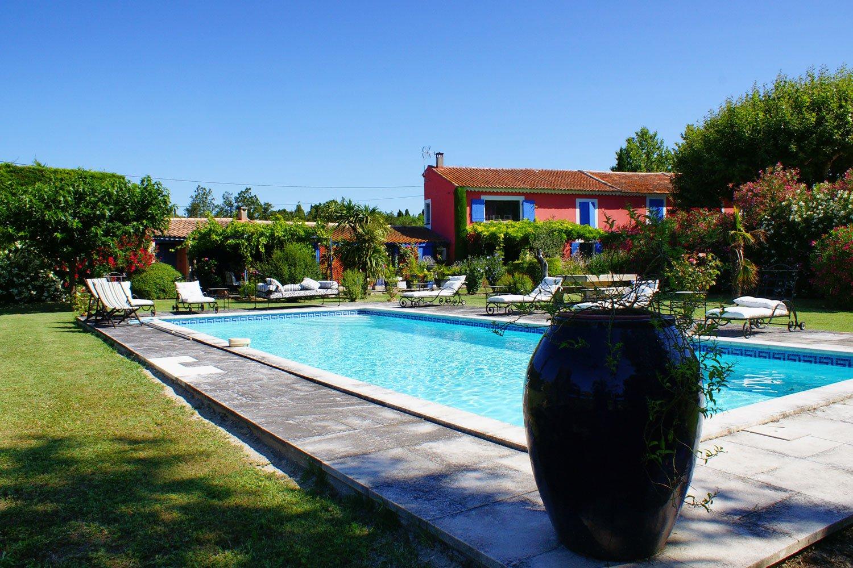charmant Mas d'artistes saint Rémy de Pce piscine tennis