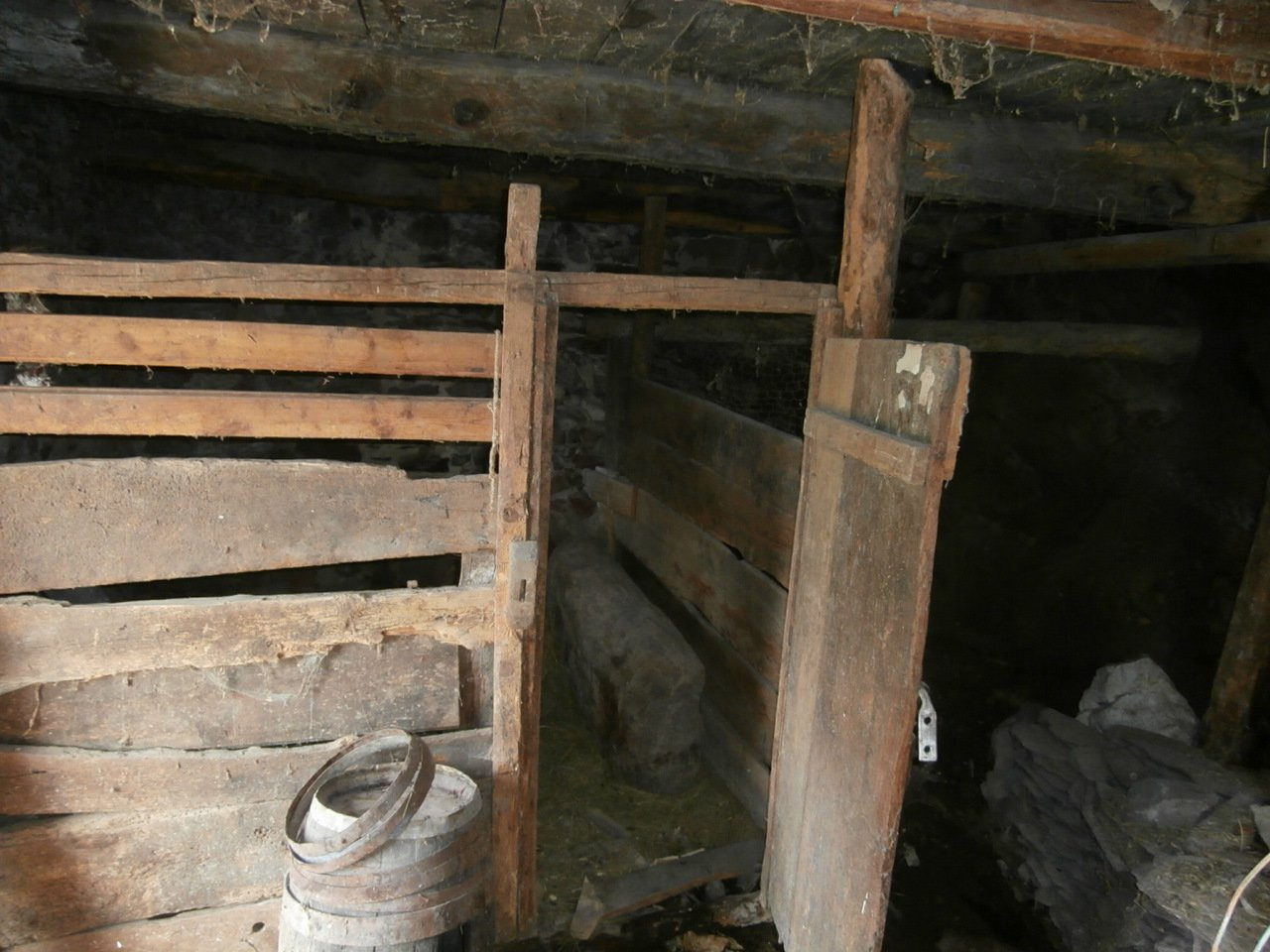Sale Barn - Roure