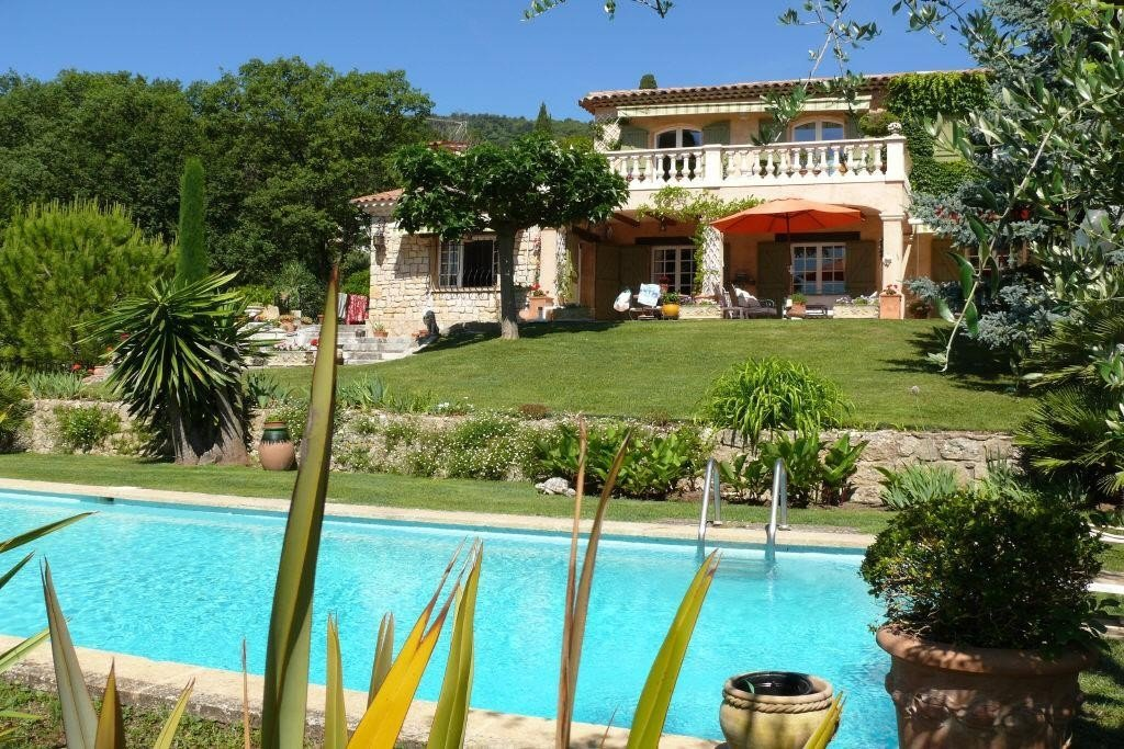 TOTALLY QUIET VILLA WITH GUEST HOUSE