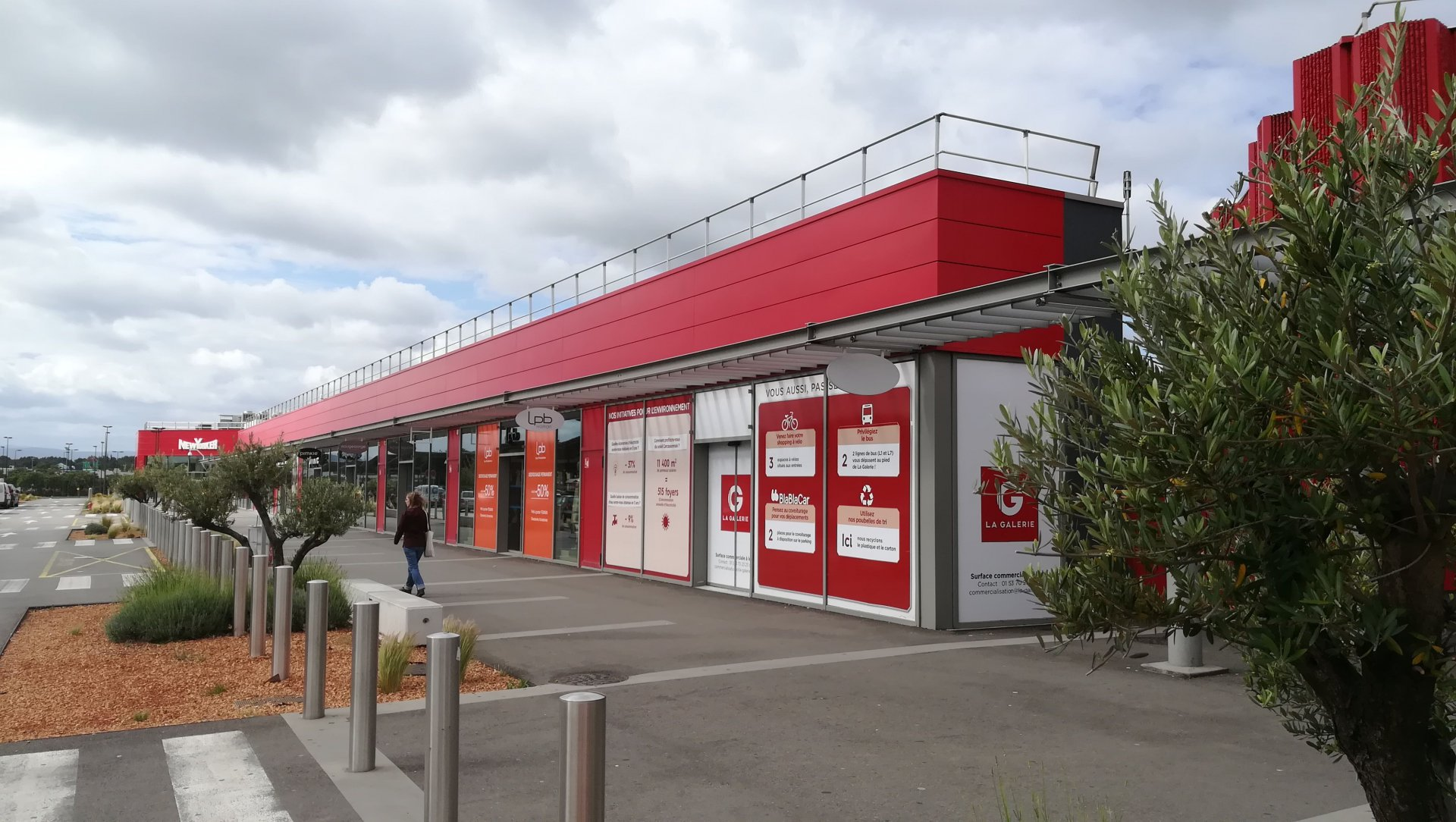 Local 170M² CC GEANT Carcassonne Salvaza