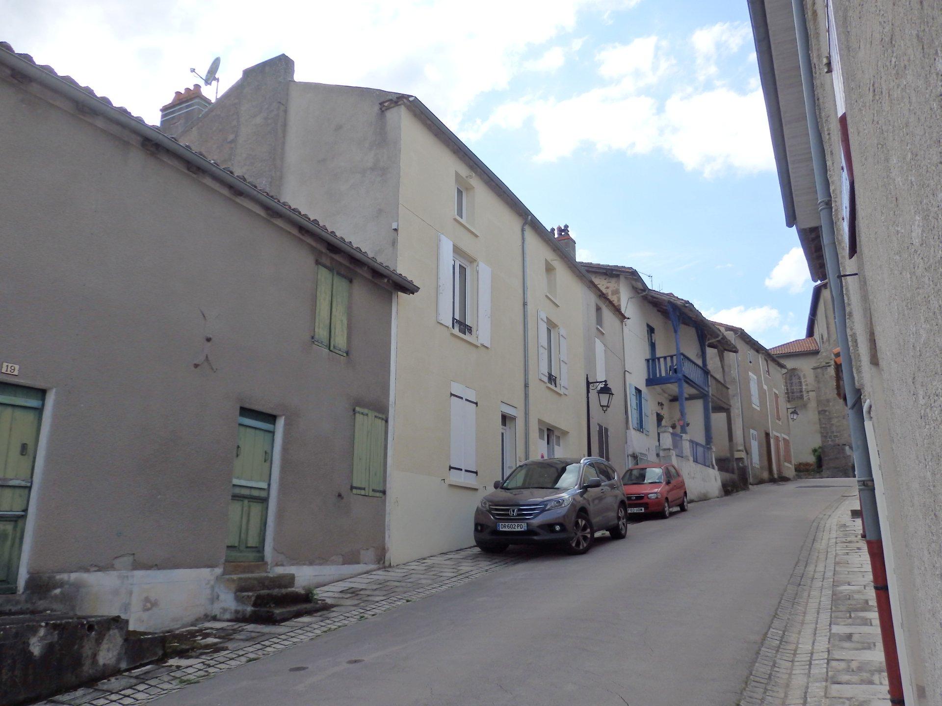 Excellente maison de ville - Availles Limouzine dans la Vienne