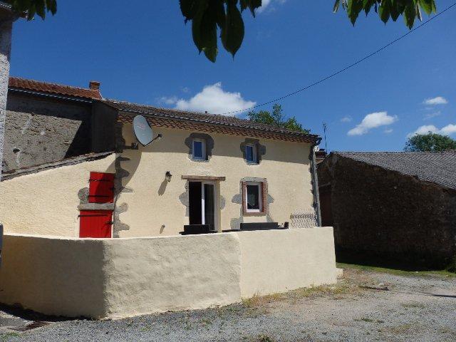 Renovated 2 Bed Stone Cottage  - Le Dorat - Haute Vienne