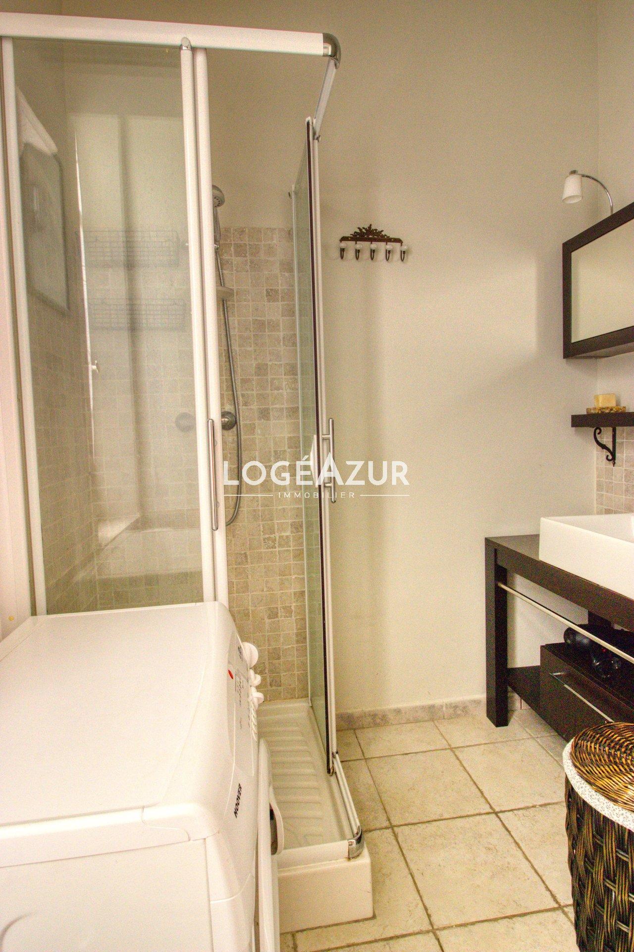 Sale  apartment 2 bedrooms in ground garden CANNES