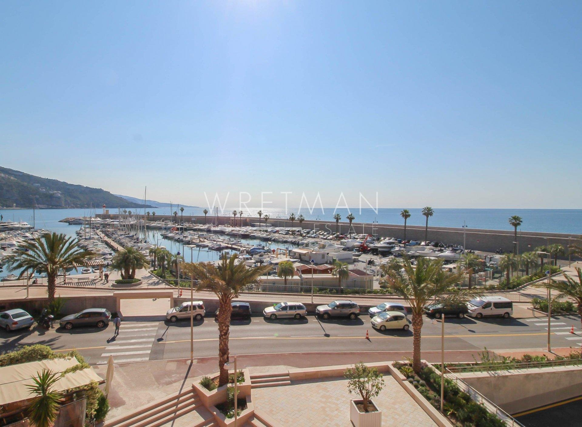 1-bedrooom flat with beautiful open views of the port and sea - Menton Old Town