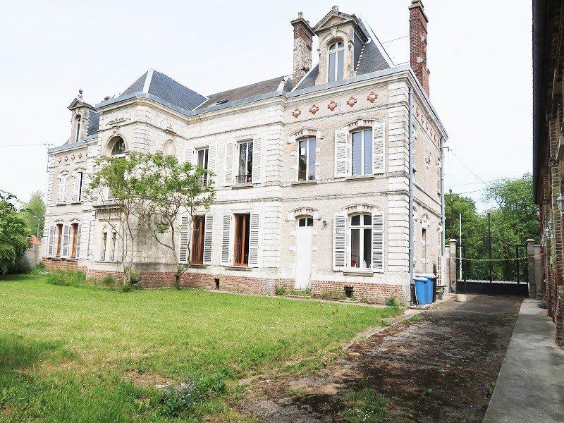 MAISON  DE MAITRE - 463m2- 14 pièces- 20 minutes Amiens