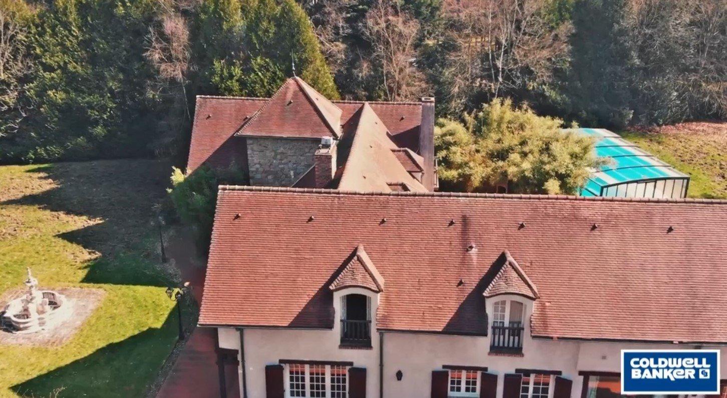 Deux maisons de standing Poigny La Forêt