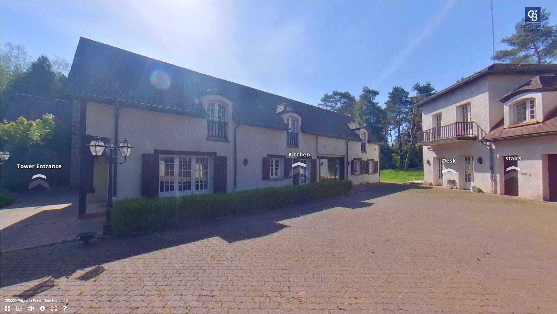 Double propriété de prestige Poigny la Forêt