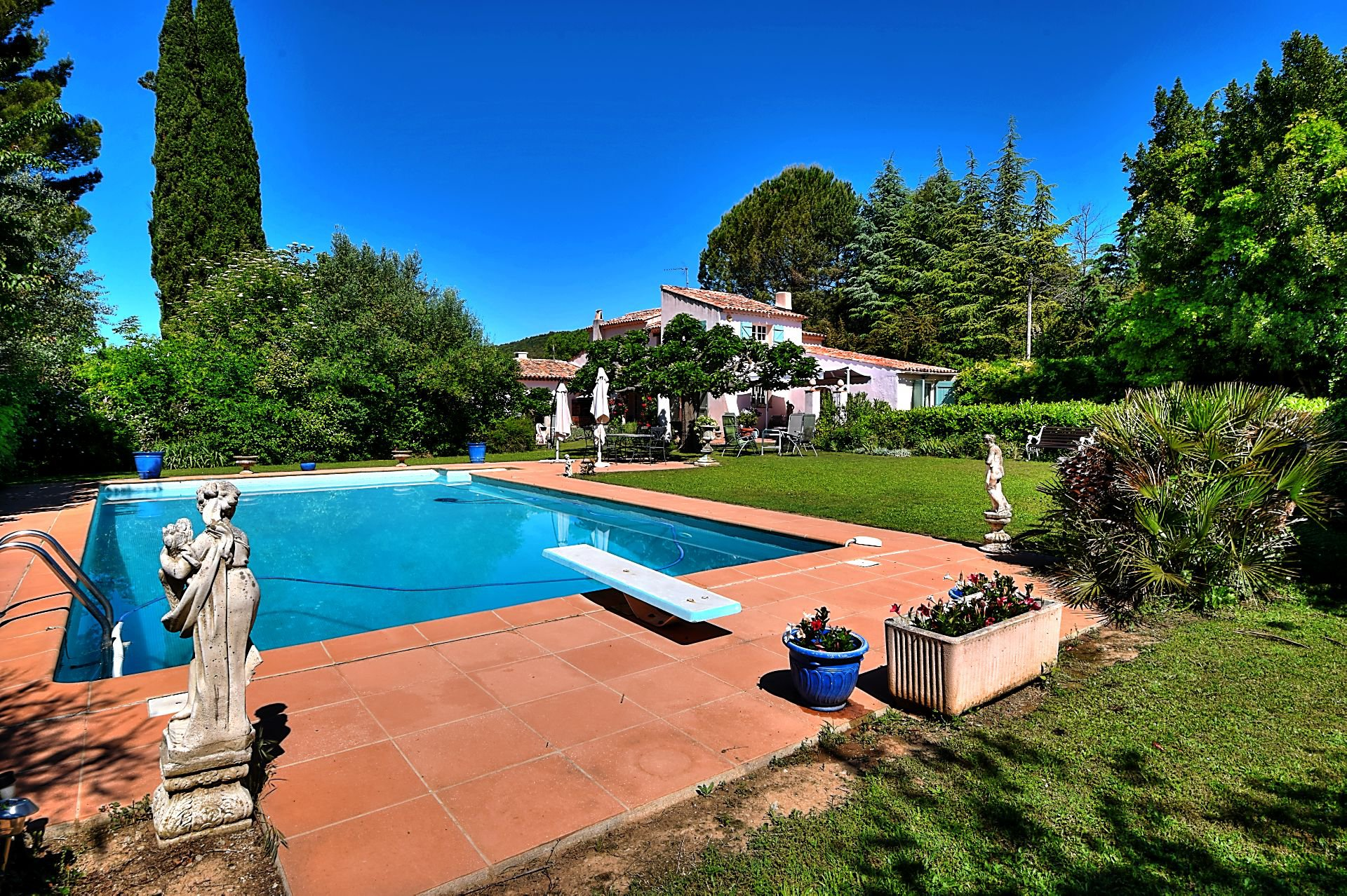 Villa in park swimming pool Villecroze Var Provence