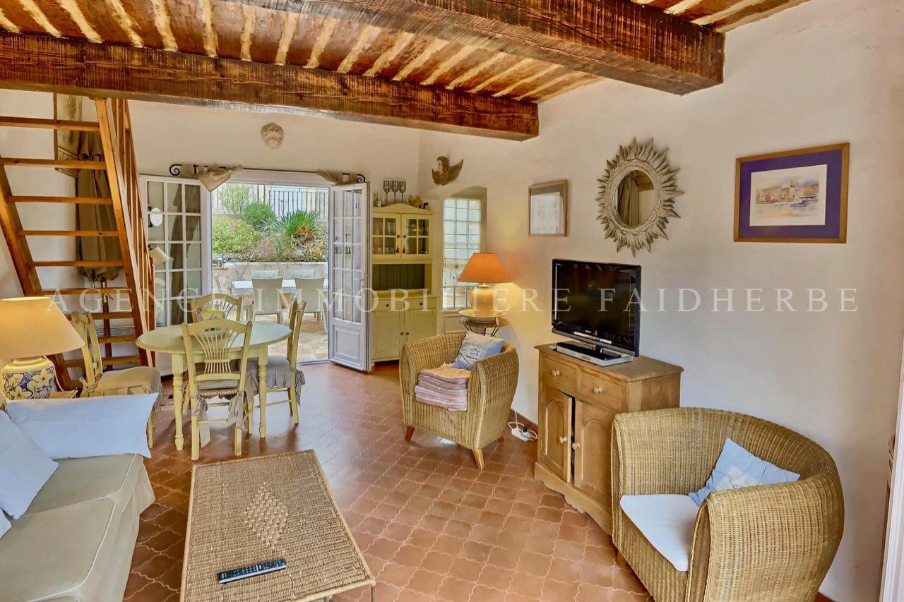 Very nice house close to the beaches
