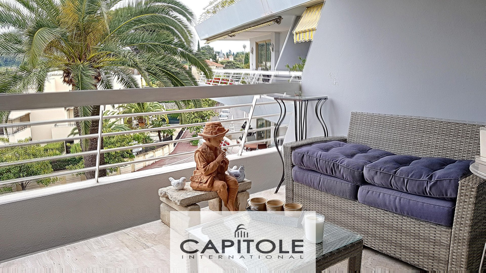 For sale, SOLE AGENT PROPERTY Antibes Ilette, 2 bedroom dual aspect apartment, large terrace, large garage