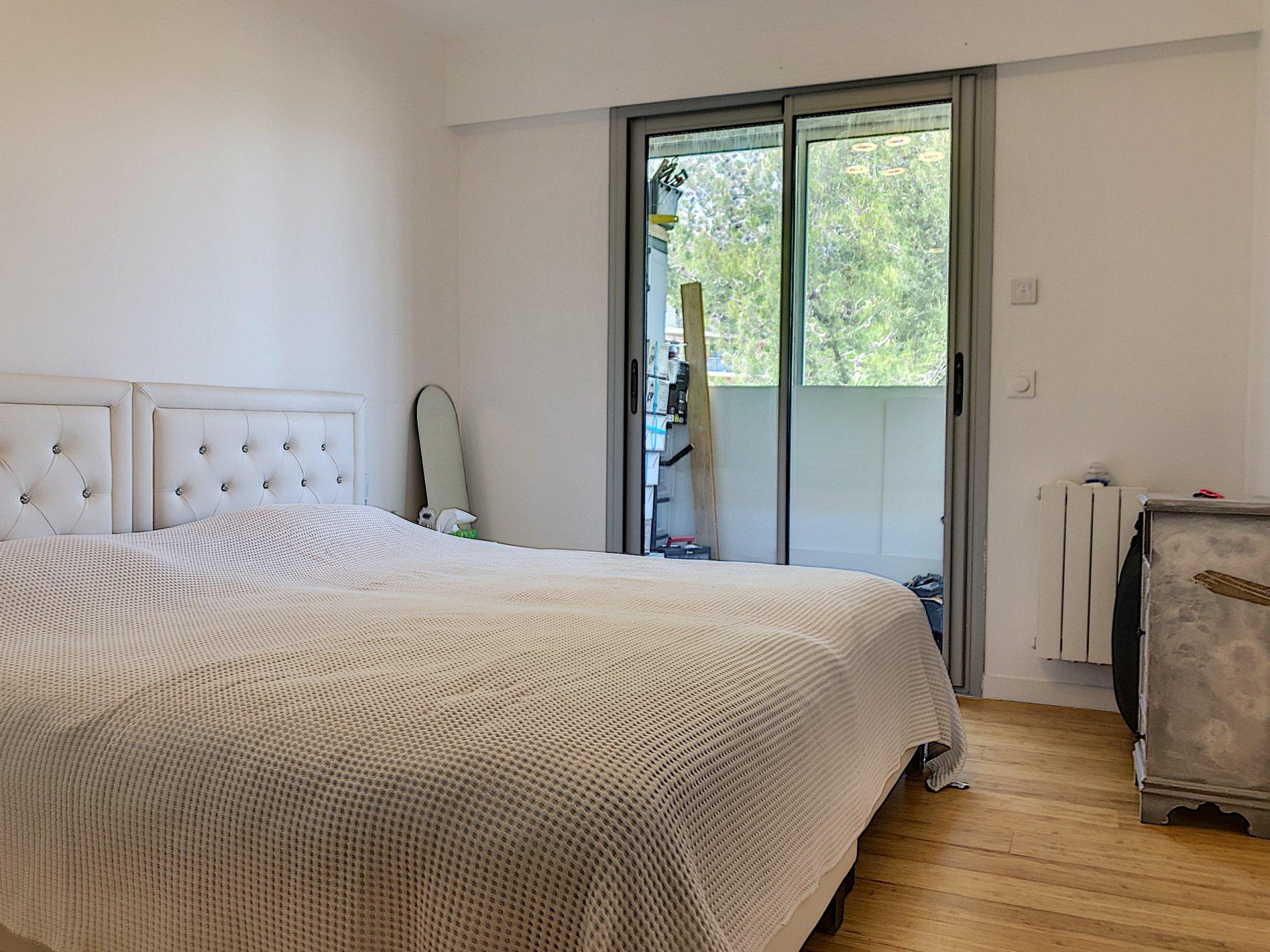 St Laurent du Var (06700) - Appartement Villa / Duplex - 5 Pièces - Dernier étage