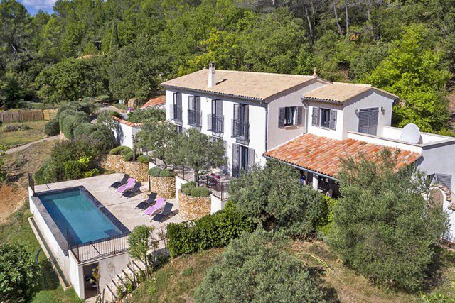 Elegant Villa on 1 hectare land - Salernes