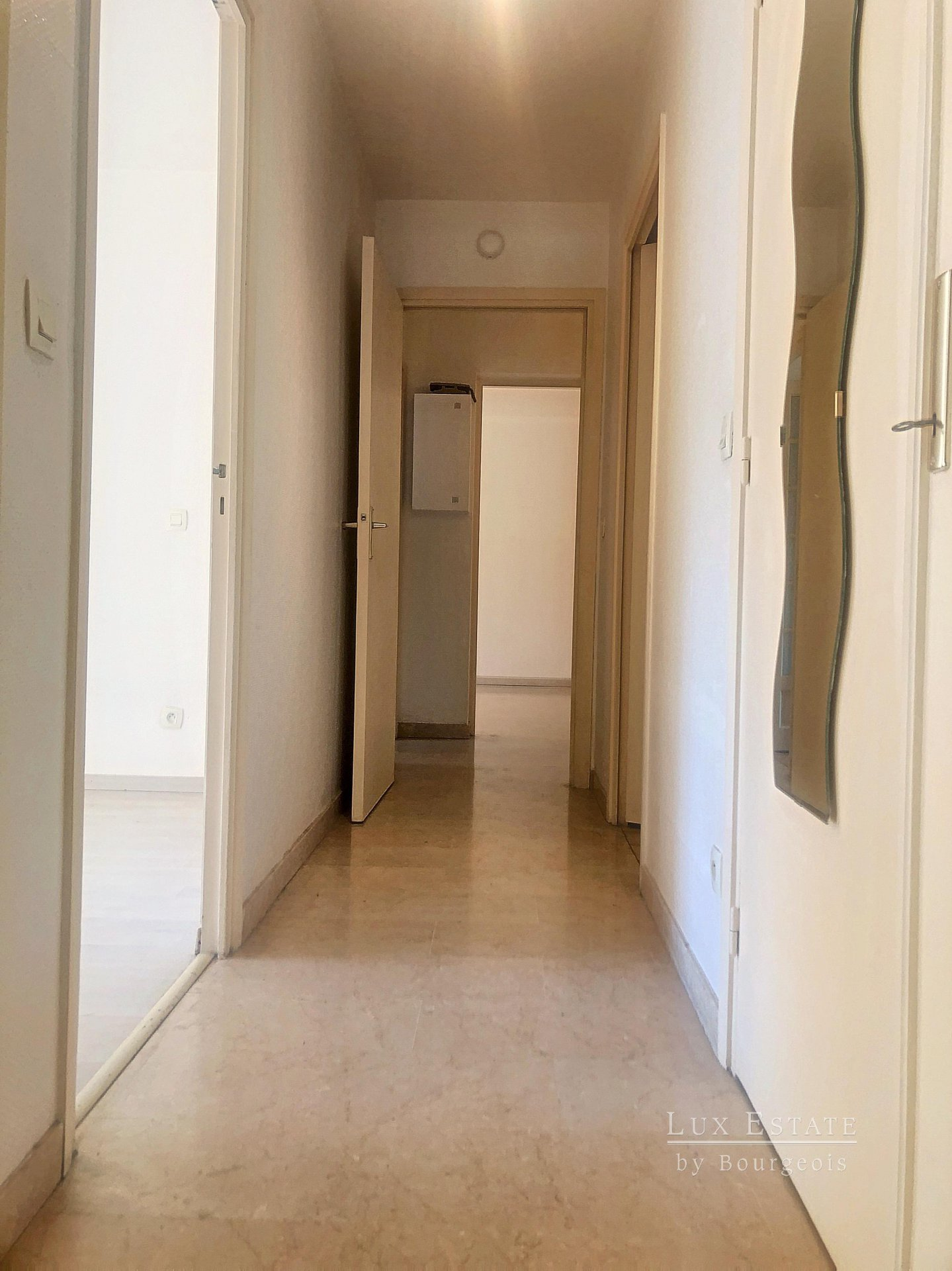 For sale 3 room flat Mougins Tournamy