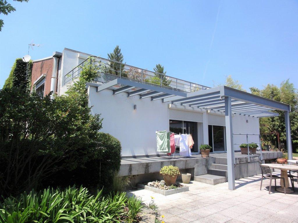 Saint-Simon, Maison de 220 m² avec piscine.