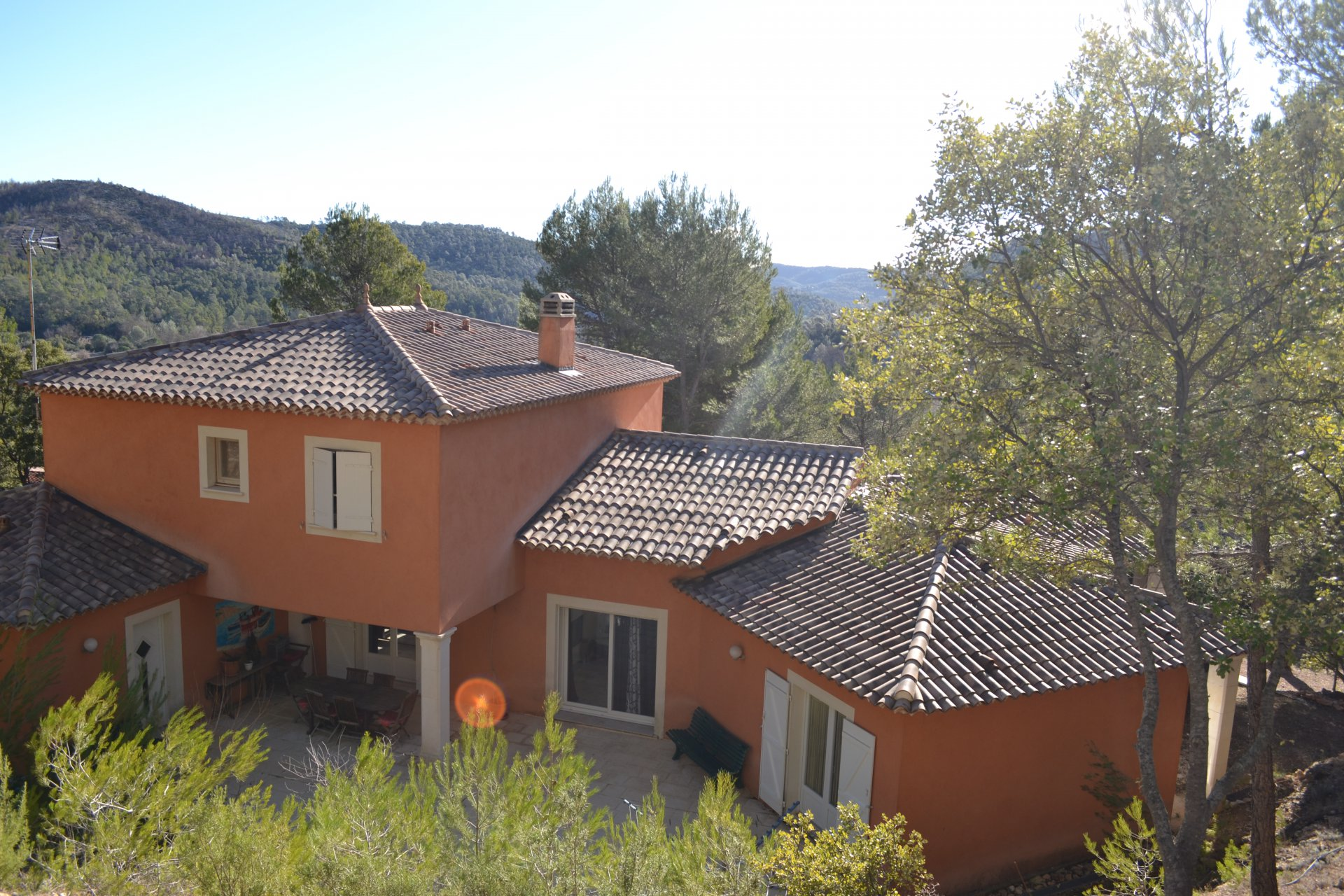 Villa de 380m² habitable avec 5 chambres