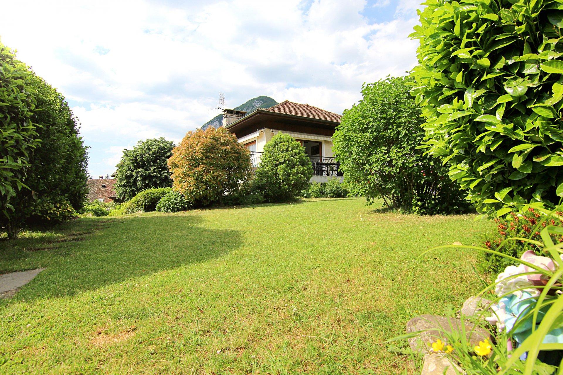 Maison Menthon, LAC, MONTAGNE, CHATEAUX