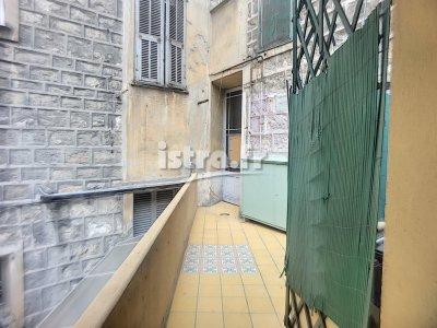Nice France : studio with mezzanine