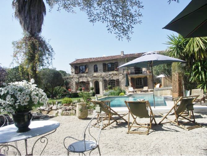 VILLA WITH PROVENCAL CHARM
